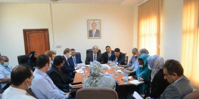 وزير التخطيط يؤكد الحرص على توفير بيئة ملائمة وآمنة للشركاء الدوليين في اليمن