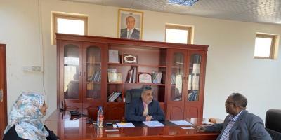نائب وزير التخطيط يناقش تنفيذ مشاريع منظمتي ادرا واللوثرية خلال عام 2021م