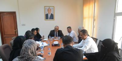 وزير التخطيط يشدد على تكاتف الجهود لمواجهة التحديات والنهوض بعمل الوزارة