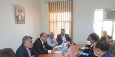 وزير التخطيط يبحث مع الممثل المقيم للفاو جهود تحقيق التنمية الزراعية والسمكية