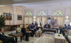 وزير التخطيط يناقش مع منسق الشؤون الإنسانية جهود مواجهة تحديات العمل الإنساني