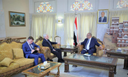 باذيب يبحث مع السفير الروسي دعم اليمن اقتصاديا وإنسانيا